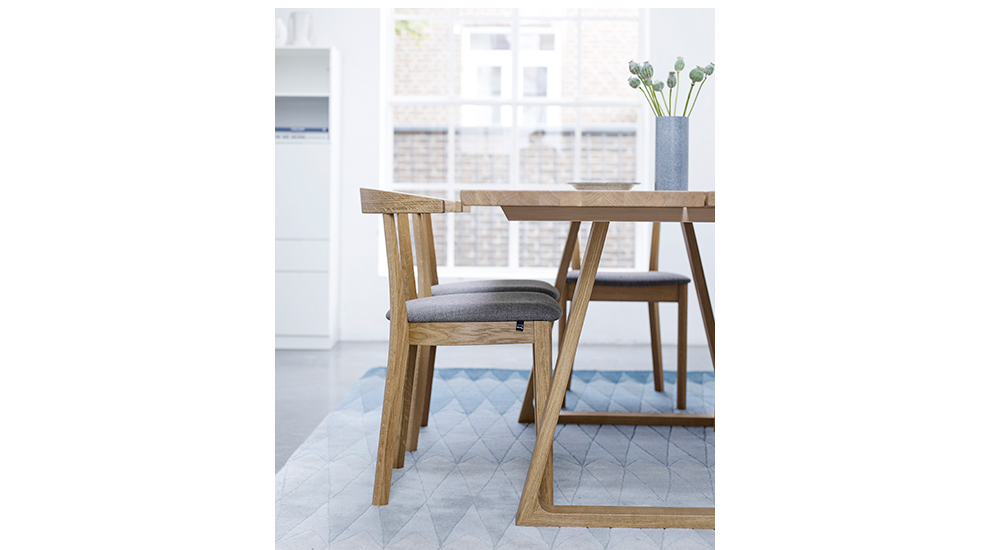 Exclusive dining tables home design for Exclusive dining table designs
